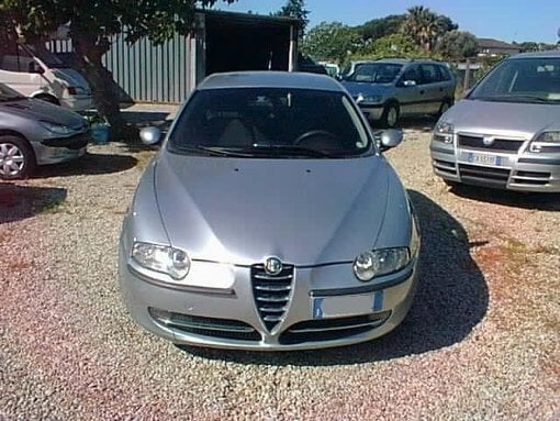 Foto Alfa Romeo 147 1.9 jtd 16v cat 5 porte distinctive